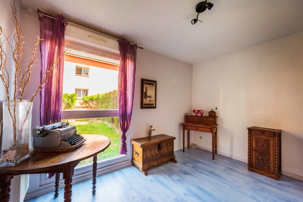 Appartement à vendre 4 77.76m2 à Colmar vignette-6
