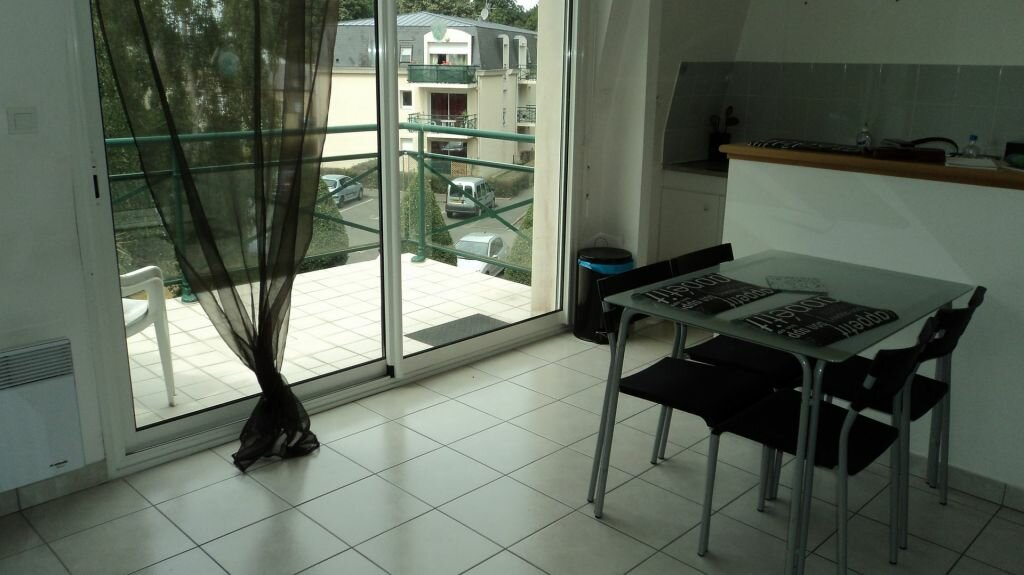 Appartement à louer 2 40m2 à Guingamp vignette-3