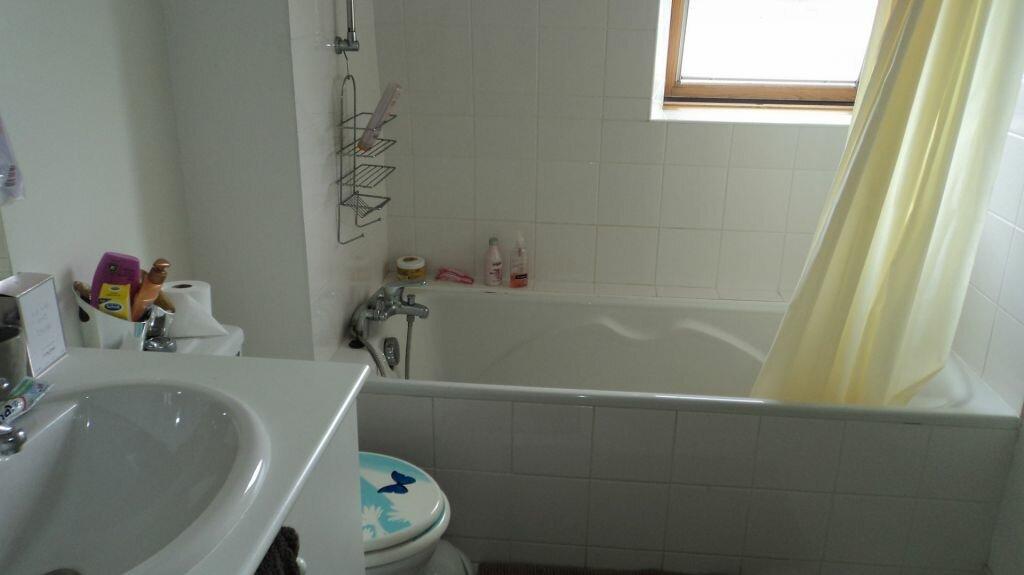 Appartement à louer 2 40m2 à Guingamp vignette-4