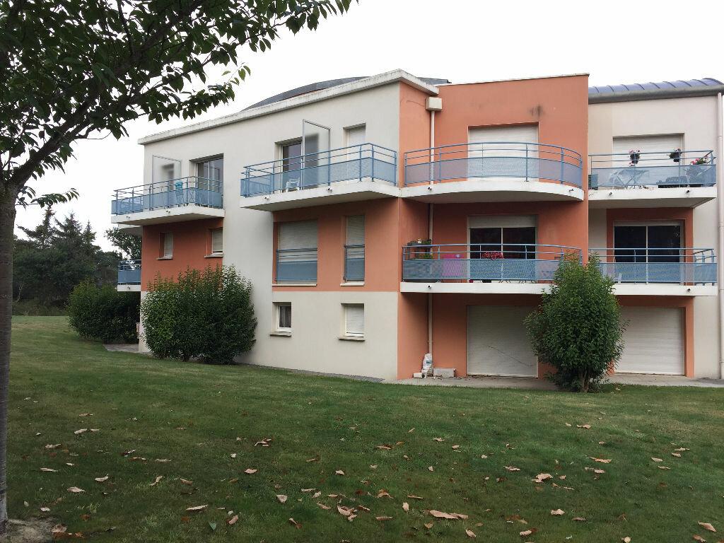 Appartement à louer 1 23m2 à Ploumagoar vignette-1