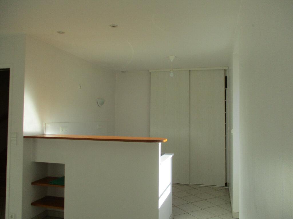 Appartement à louer 2 38.03m2 à Ploubezre vignette-5