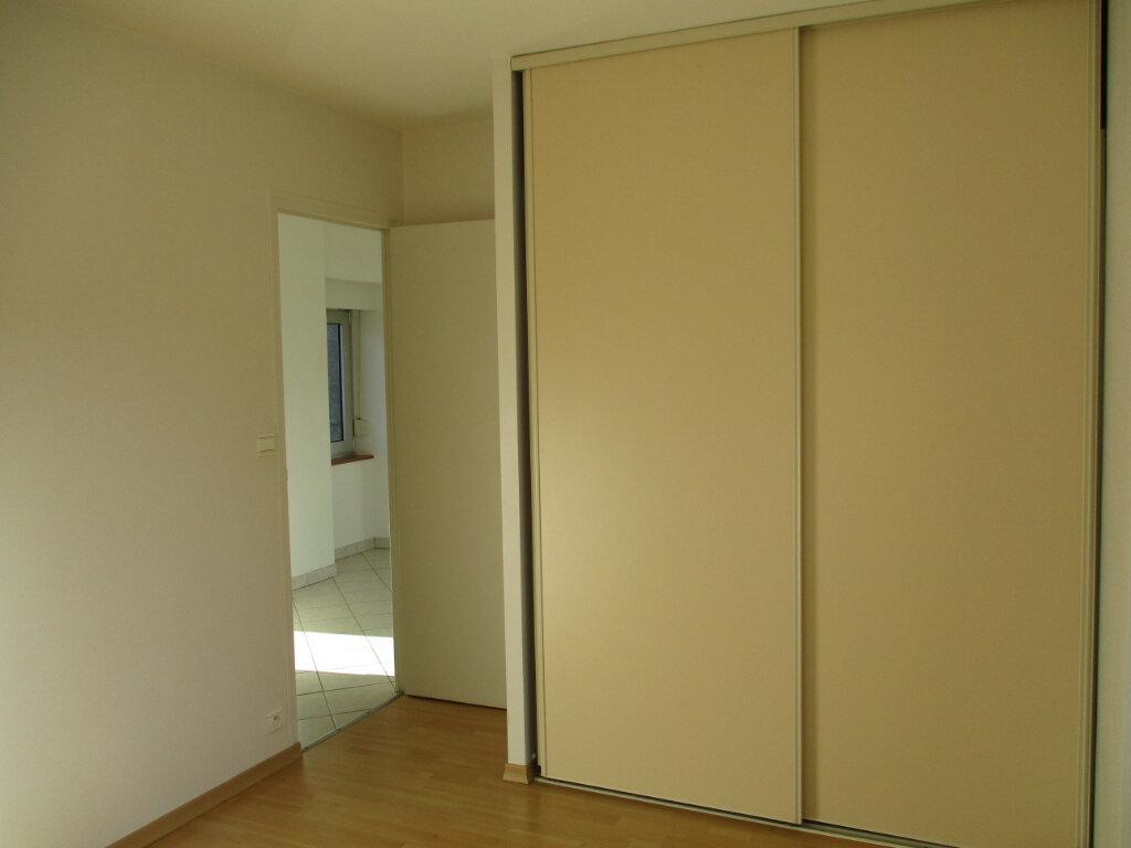 Appartement à louer 2 38.03m2 à Ploubezre vignette-6