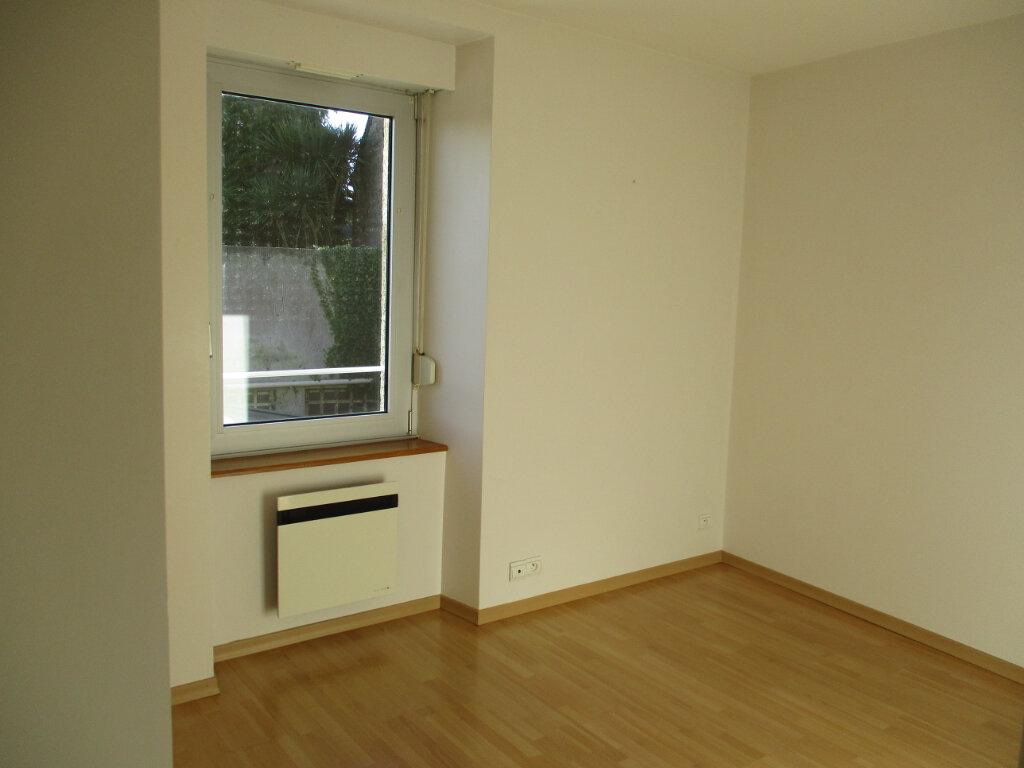 Appartement à louer 2 38.03m2 à Ploubezre vignette-7