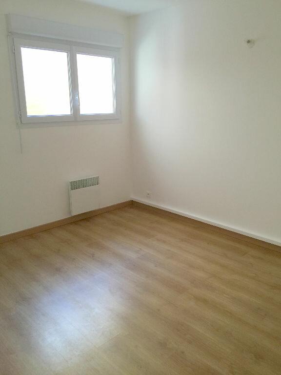 Appartement à louer 3 85.43m2 à Perros-Guirec vignette-9