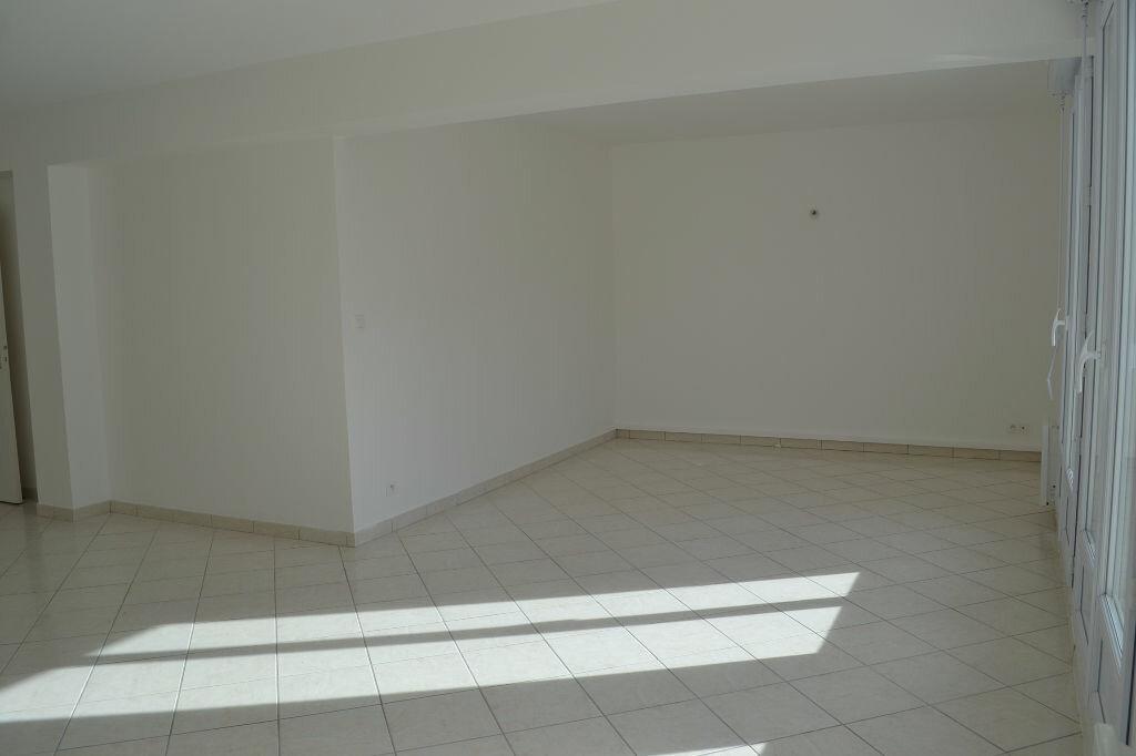 Appartement à vendre 3 83m2 à Perros-Guirec vignette-3