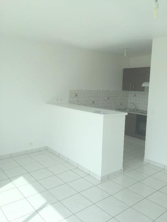Appartement à louer 3 54m2 à Perros-Guirec vignette-2