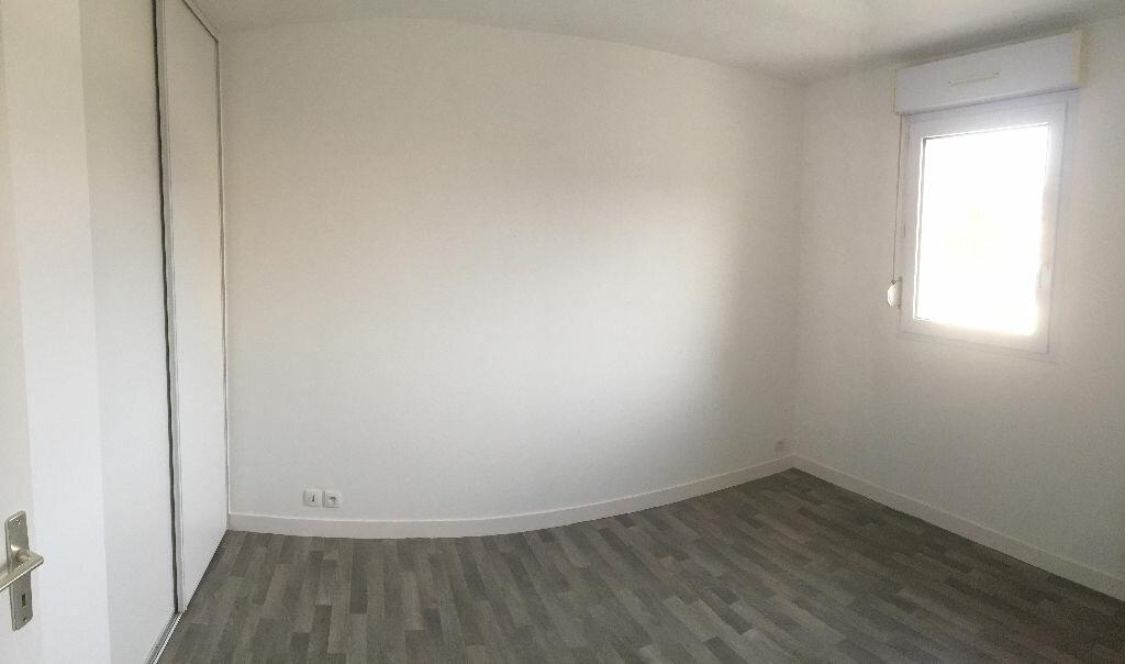 Appartement à louer 3 54m2 à Perros-Guirec vignette-4