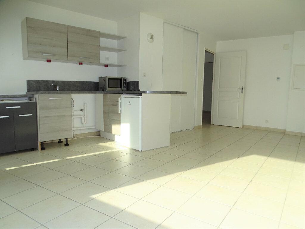 Appartement à vendre 3 55m2 à Perros-Guirec vignette-1