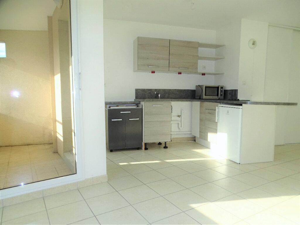 Appartement à vendre 3 55m2 à Perros-Guirec vignette-3