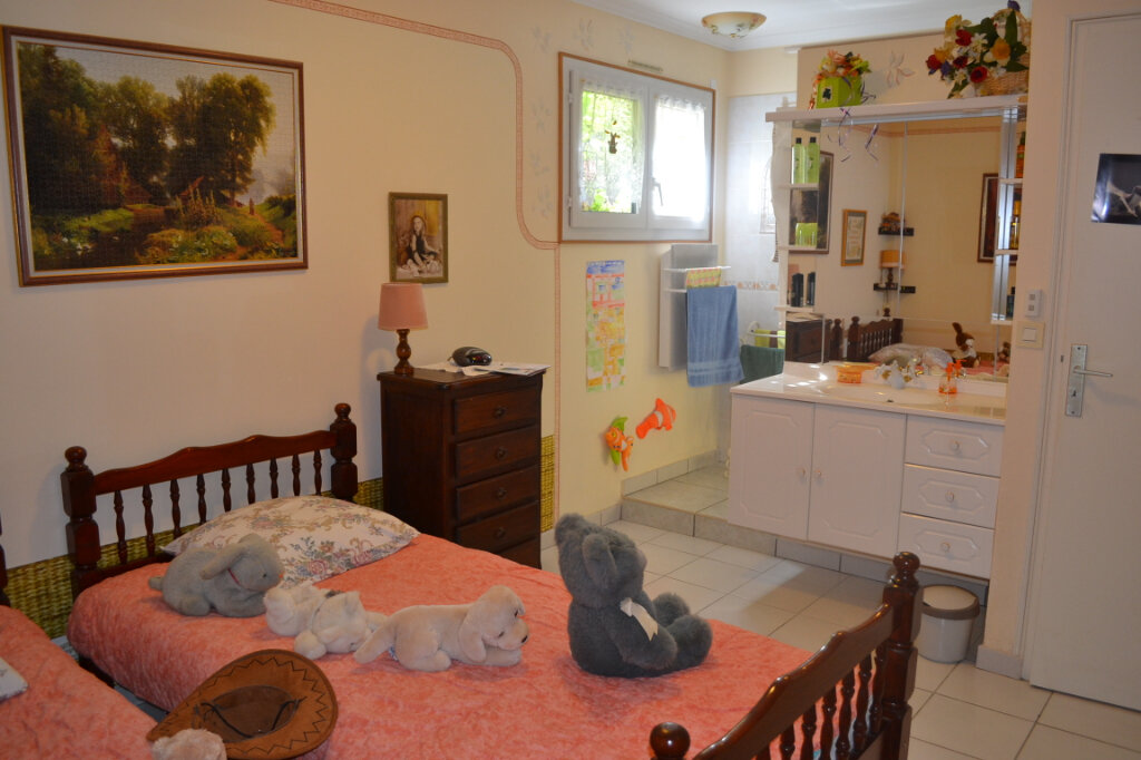 Maison à vendre 5 120m2 à Perros-Guirec vignette-9