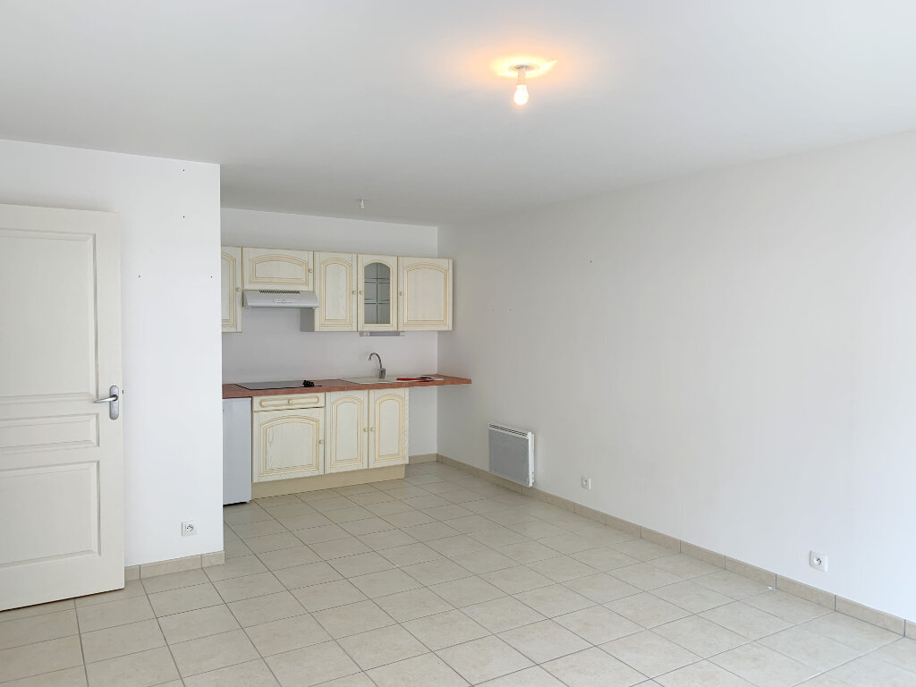 Appartement à louer 2 43m2 à Perros-Guirec vignette-2