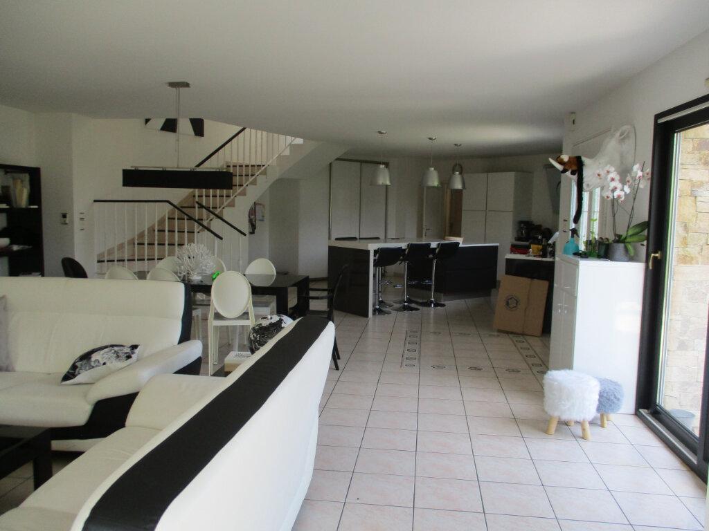 Maison à louer 6 194m2 à Ploumilliau vignette-6