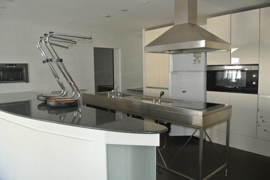 Appartement à vendre 3 145m2 à Lannion vignette-3
