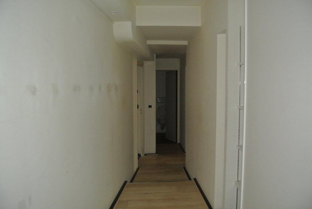 Appartement à vendre 3 145m2 à Lannion vignette-6