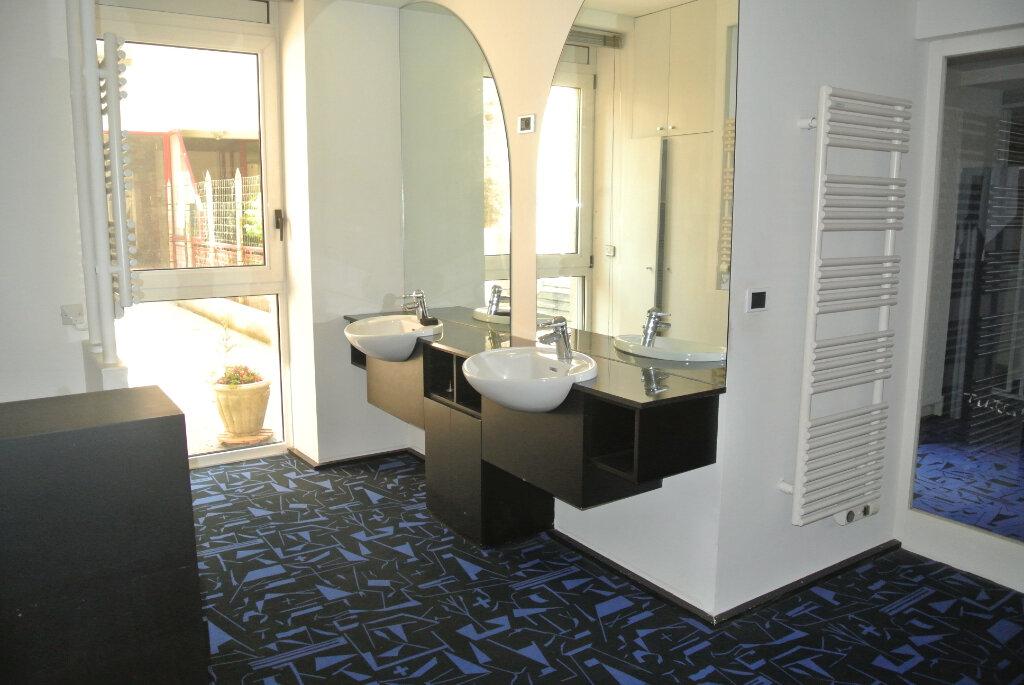 Appartement à vendre 3 145m2 à Lannion vignette-8