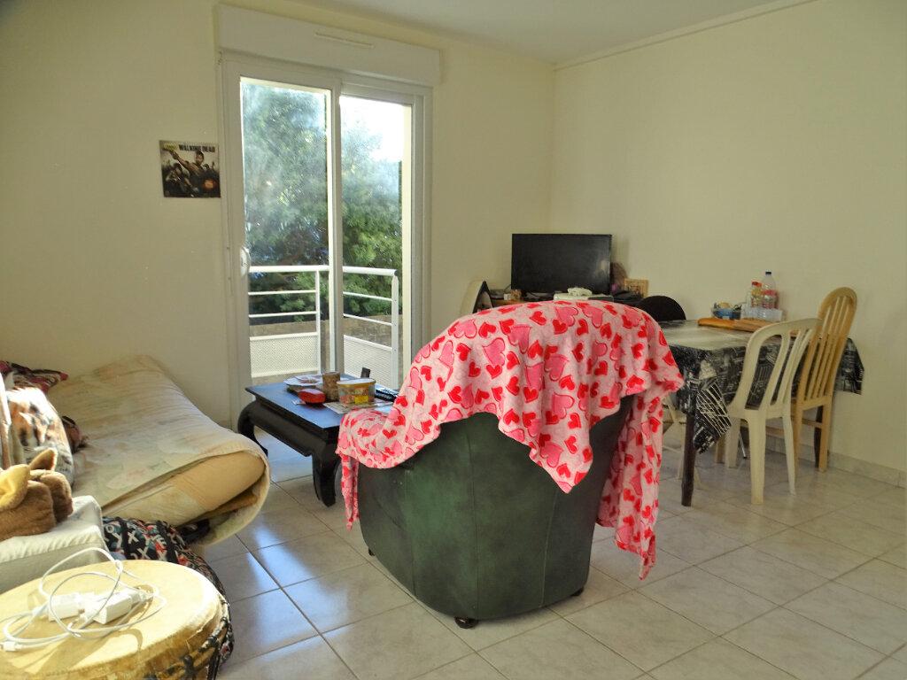 Appartement à vendre 2 41m2 à Perros-Guirec vignette-3