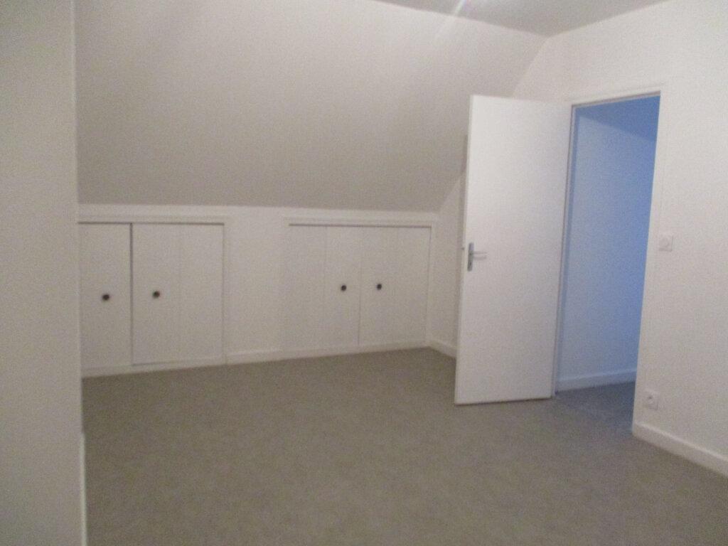 Maison à louer 5 120.15m2 à Lannion vignette-9
