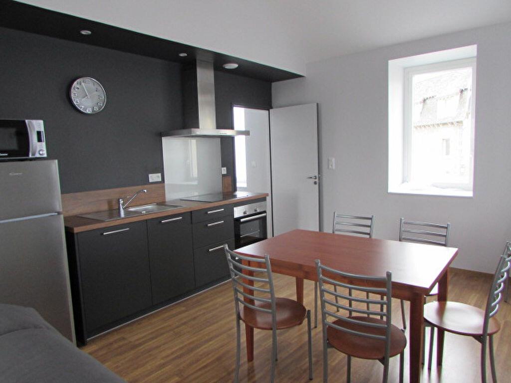 Appartement à louer 2 51.8m2 à Trébeurden vignette-1