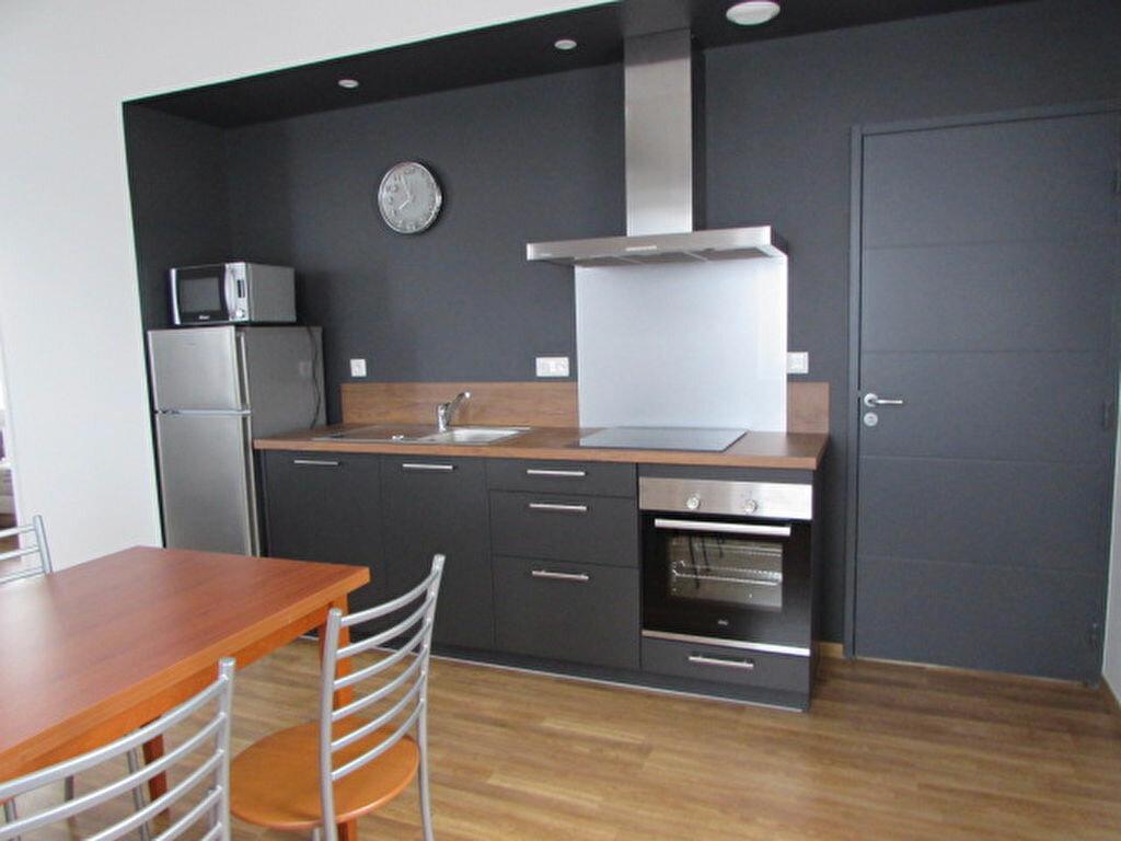 Appartement à louer 2 51.8m2 à Trébeurden vignette-2