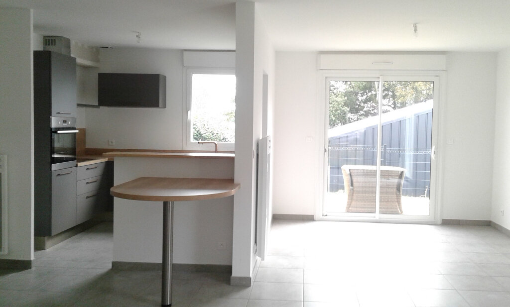 Maison à louer 7 123.45m2 à Locquirec vignette-5