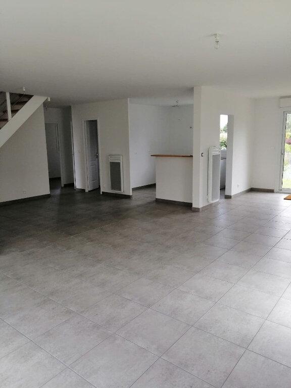 Maison à louer 7 123.45m2 à Locquirec vignette-7