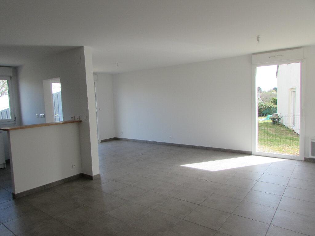 Maison à louer 7 123.45m2 à Locquirec vignette-8