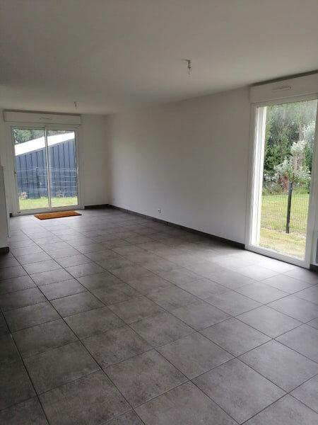 Maison à louer 7 123.45m2 à Locquirec vignette-9