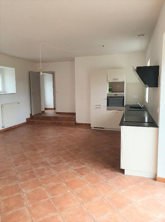 Maison à louer 4 90.5m2 à Trélévern vignette-6