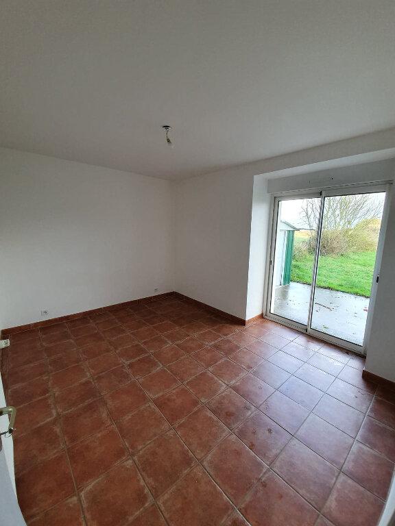 Maison à louer 4 90.5m2 à Trélévern vignette-7