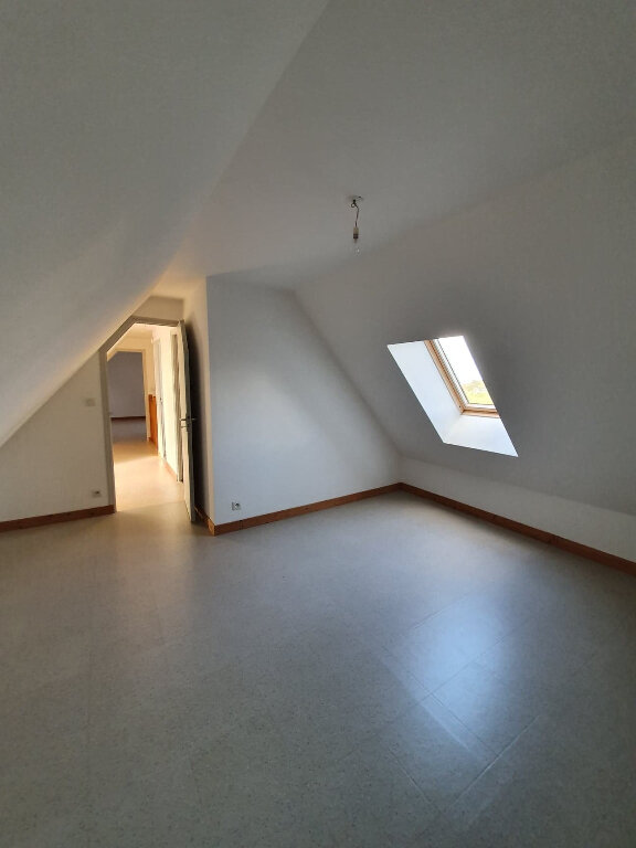 Maison à louer 4 90.5m2 à Trélévern vignette-13
