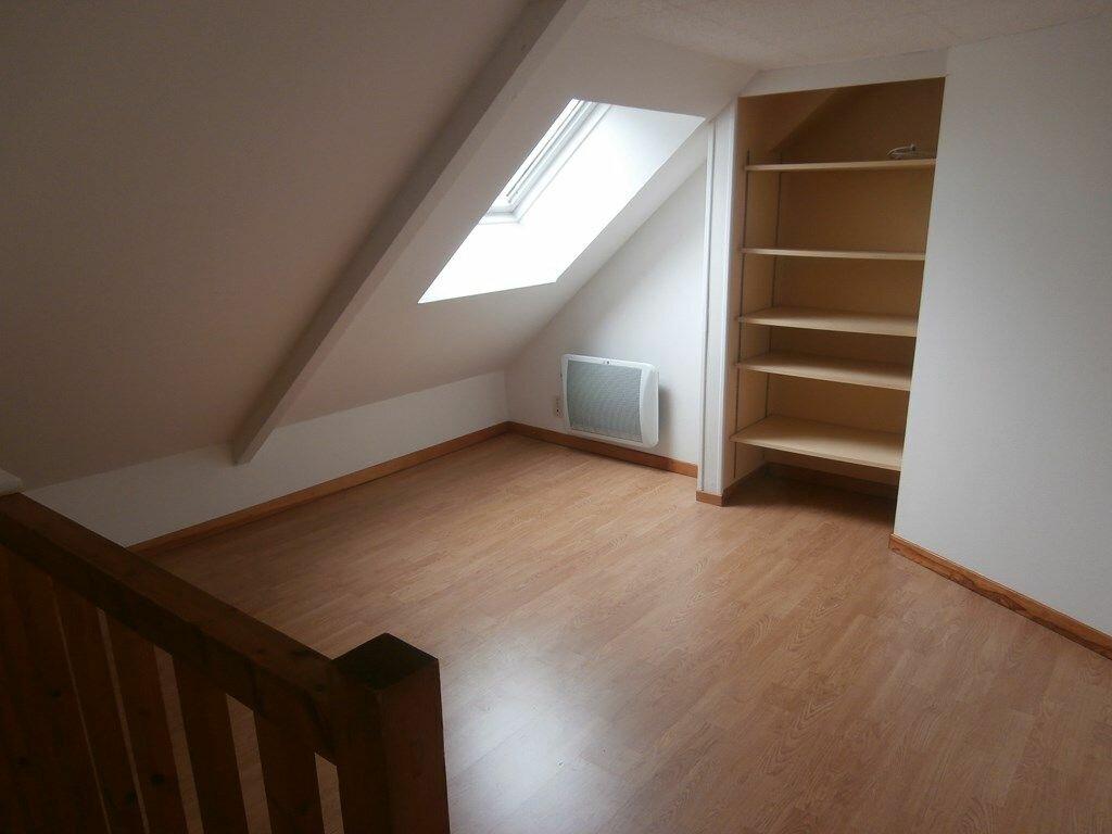 Appartement à louer 2 33m2 à Carhaix-Plouguer vignette-4