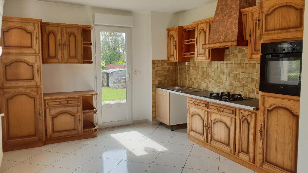 Maison à louer 5 114m2 à Trébrivan vignette-3