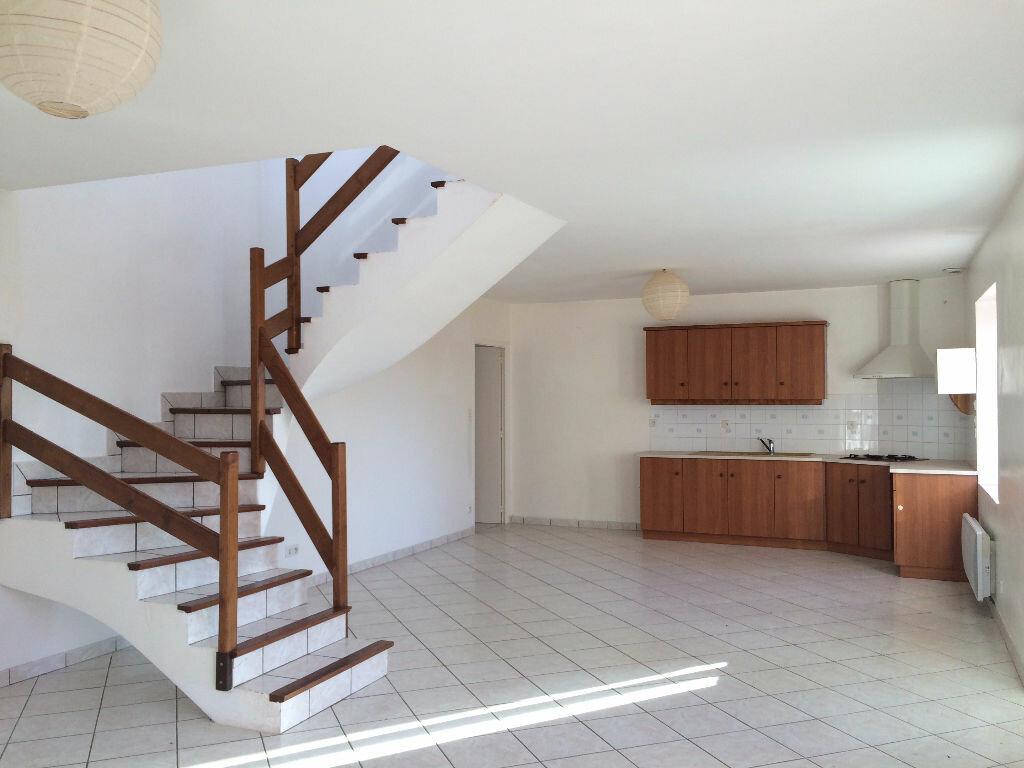 Maison à louer 4 90m2 à Poullaouen vignette-1