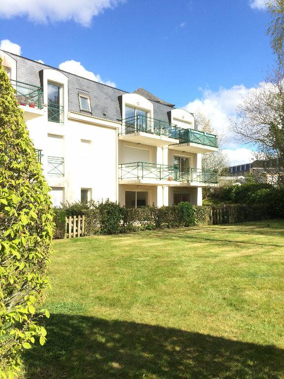 Appartement à vendre 2 40m2 à Guingamp vignette-1