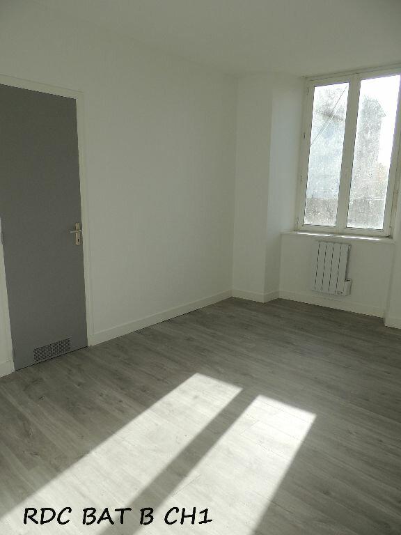 Appartement à louer 3 59m2 à Carhaix-Plouguer vignette-3