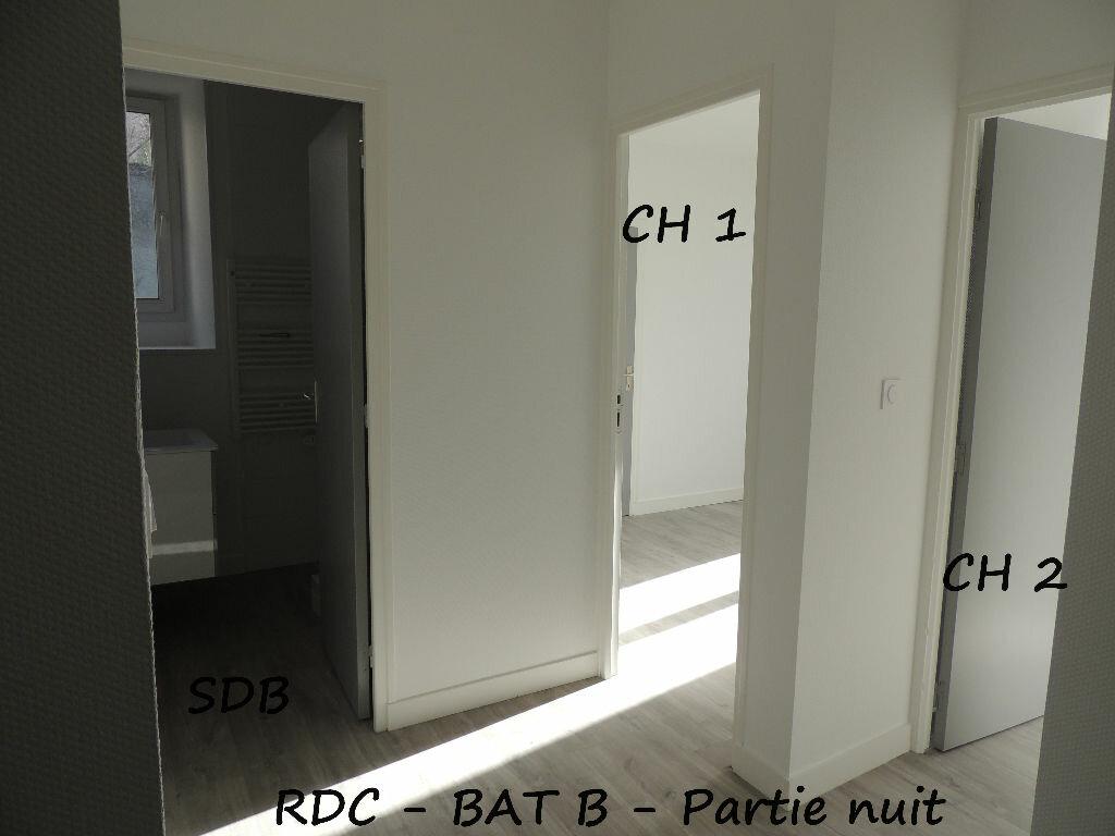 Appartement à louer 3 59m2 à Carhaix-Plouguer vignette-4