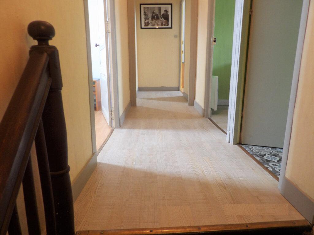 Appartement à vendre 4 58m2 à Guingamp vignette-5