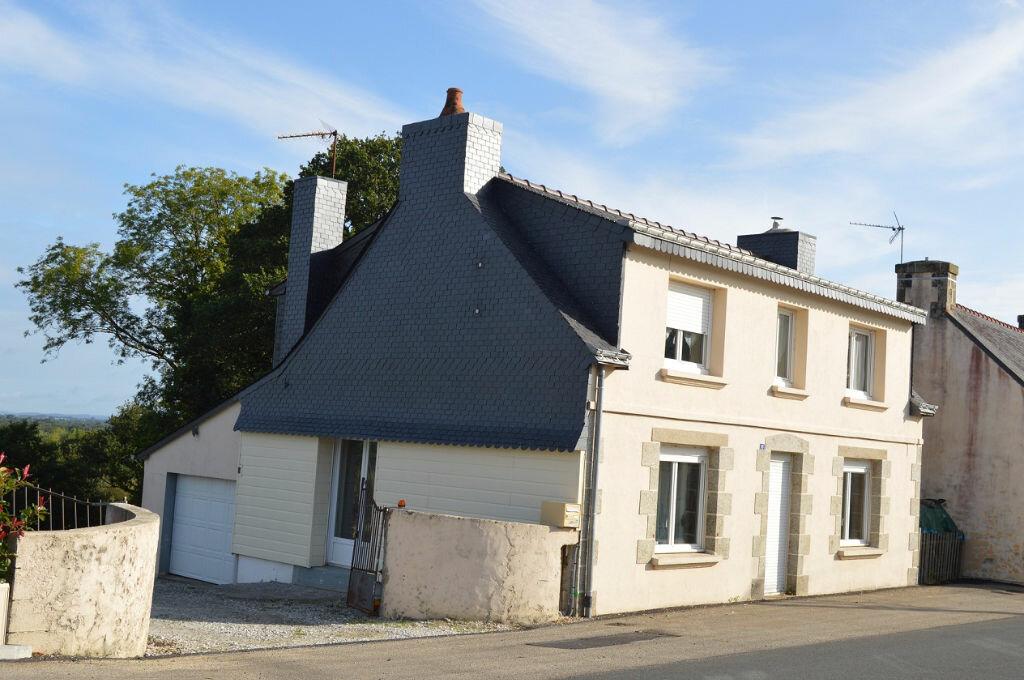 Maison à vendre 4 100.31m2 à Glomel vignette-1