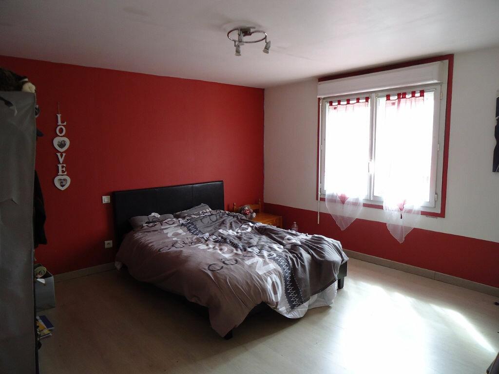 Maison à vendre 4 100.31m2 à Glomel vignette-6