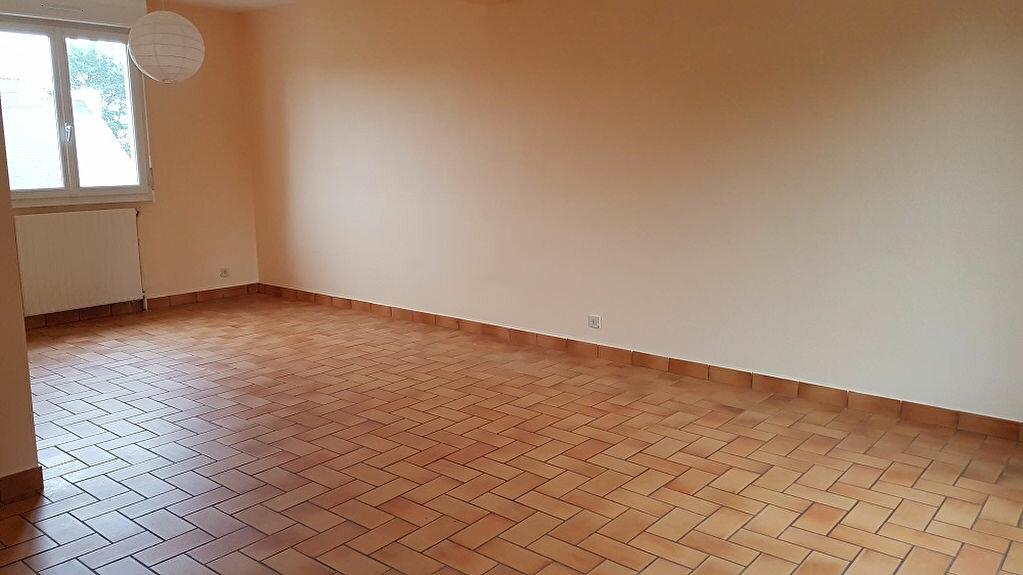 Maison à louer 5 86m2 à Carhaix-Plouguer vignette-2