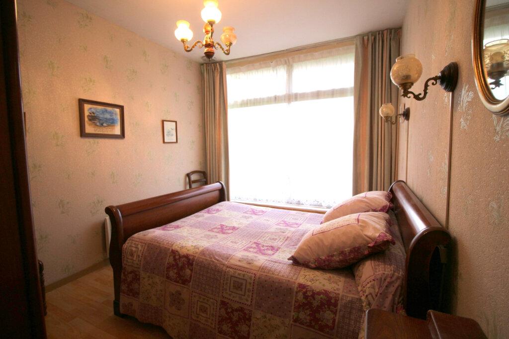 Maison à vendre 8 168m2 à Carhaix-Plouguer vignette-4
