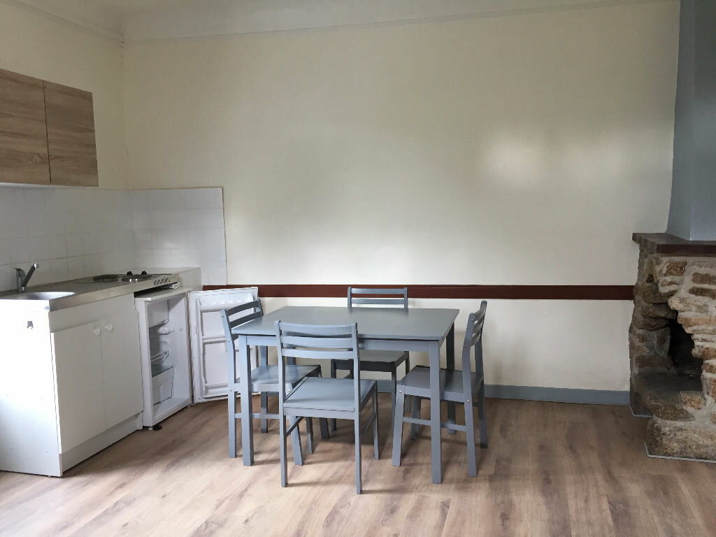 Appartement à louer 1 19m2 à Guingamp vignette-1