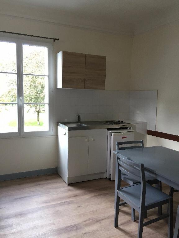 Appartement à louer 1 19m2 à Guingamp vignette-3
