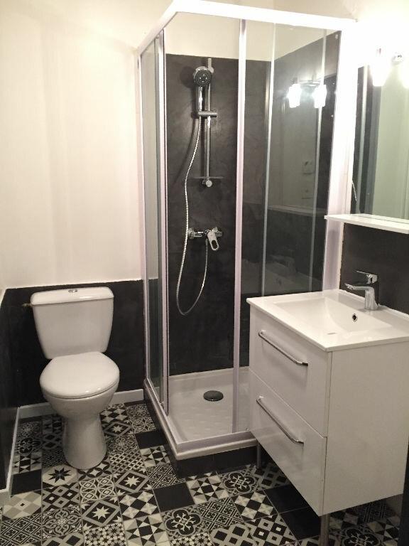 Appartement à louer 2 42.39m2 à Guingamp vignette-6
