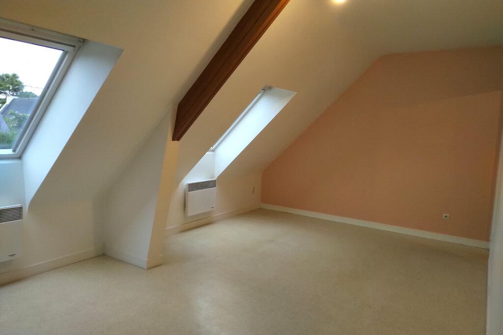 Appartement à louer 3 54m2 à Carhaix-Plouguer vignette-1