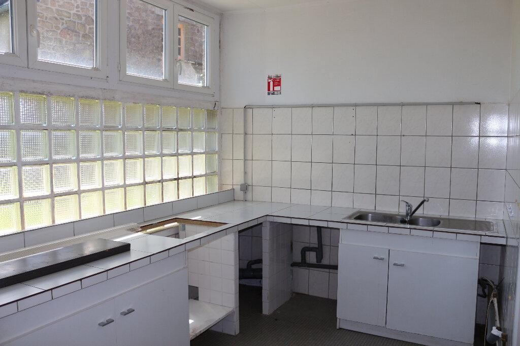 Immeuble à louer 0 40.5m2 à Rostrenen vignette-4