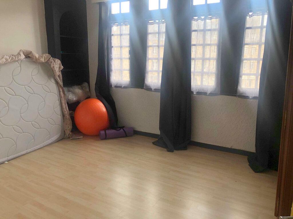Appartement à louer 4 116m2 à Guingamp vignette-5