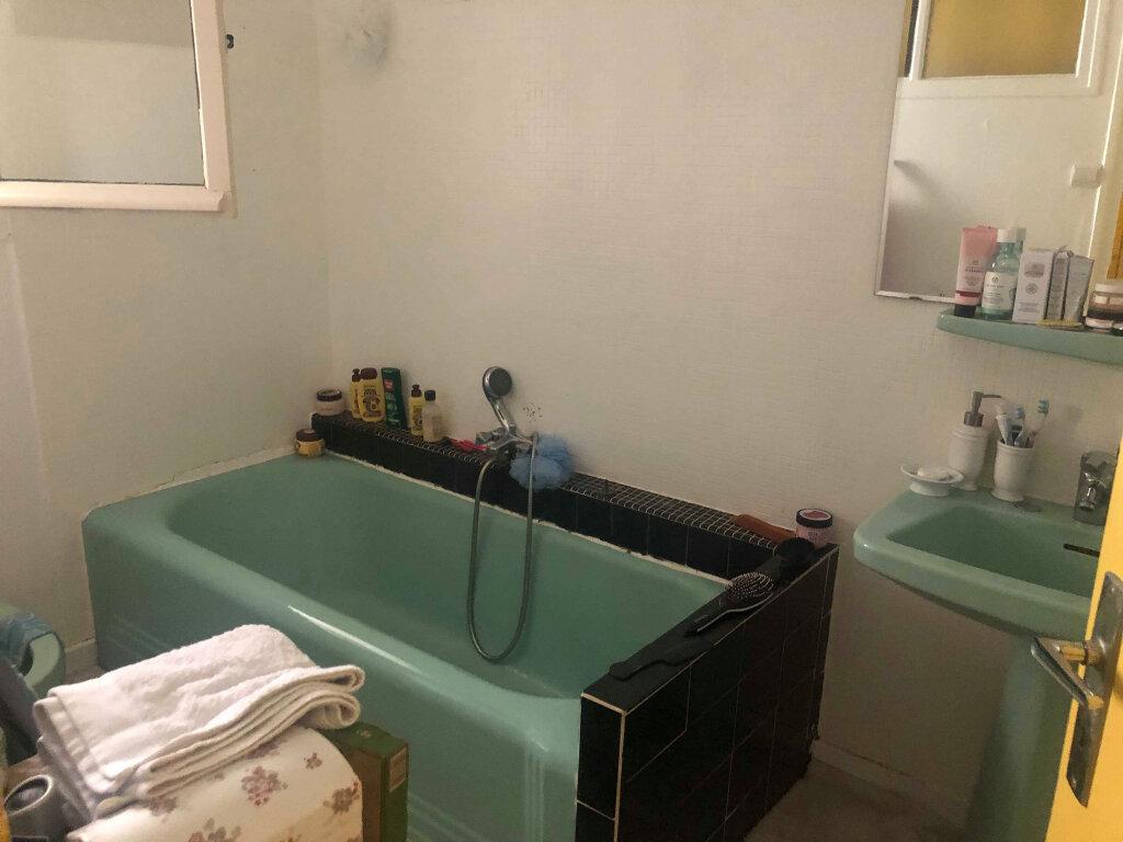 Appartement à louer 4 116m2 à Guingamp vignette-6