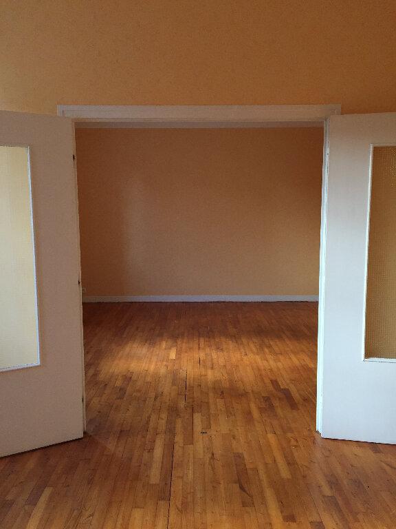 Appartement à louer 3 63.66m2 à Bourbriac vignette-6
