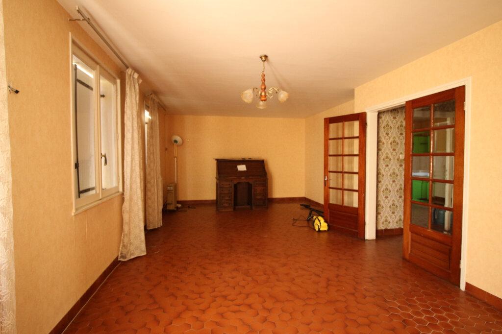 Maison à vendre 6 125m2 à Carhaix-Plouguer vignette-2